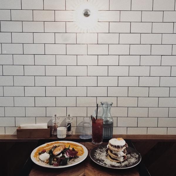 #澳洲 #墨爾本 📌Humble Rays   禮拜一放學跟朋友來這家店吃brunch(早午餐)真