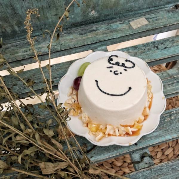 💜Hidden  off💜 最近新竹超火紅的咖啡廳☕️ 有超可愛的查理布朗蛋糕 而且很好吃喔 不