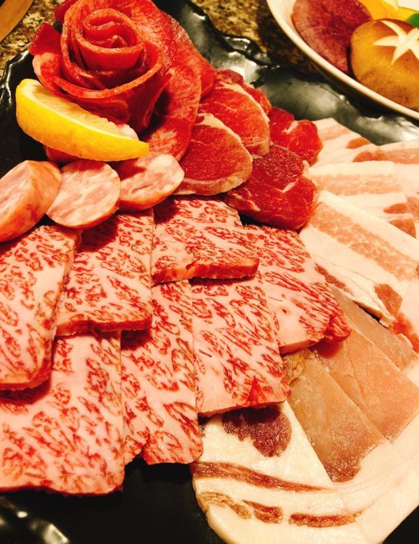 #沖繩 #國際通 #石垣牛 #阿古豬  沖繩不外乎就是吃石垣牛🐂阿古豬🐷 但這間我忘記名字了~
