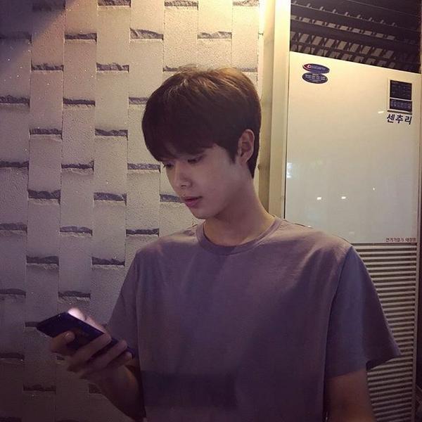 #韓國#帥哥  推薦一個追蹤很久的小哥哥@94.8.27 前陣子開始看到他在演網路劇了 感覺就會有越