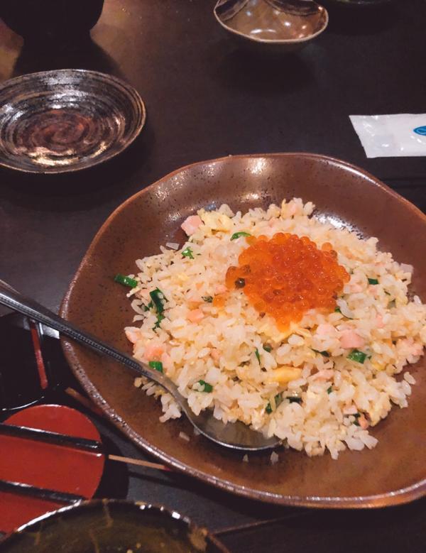 #吳留手串燒店 台中勤美店  餐點都算中等之上 出餐速度也滿快的 除了雞肉要烤比較久 很適合下班聚餐