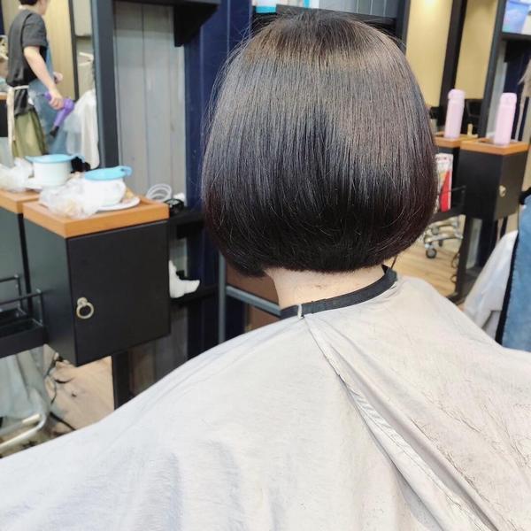 修剪✂️✂️ #俐落感 #短髮  簡單就很迷人❤️ #剪髮 #圓圓感bob🔝 #韓系髮型