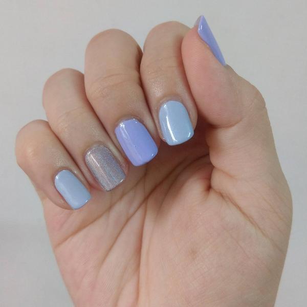 淺藍紫跳色指彩💅🏻  使用產品右至左: Nailholic PU100 Essence 115