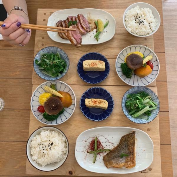 #男朋友家 #松江南京 推薦12月份的菜單~🐟是鱸魚!這個月還有鴨胸呢~蠻嫩的,口感很不錯☺️ 我