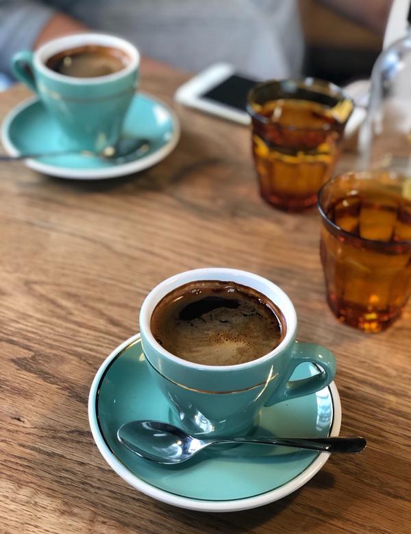 Mojo Coffee 在東京有3家,老闆好像是澳洲人,原宿那家人潮比較多,神樂坂這家平時比較有位子
