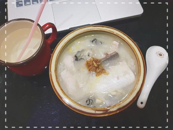 暖心晚餐🍜🥄魚肚柳鮮蚵粥-懶人晚餐系列🐟🐚 #海鮮粥 #晚餐吃什麼  落枕人真的很懶惰,只好