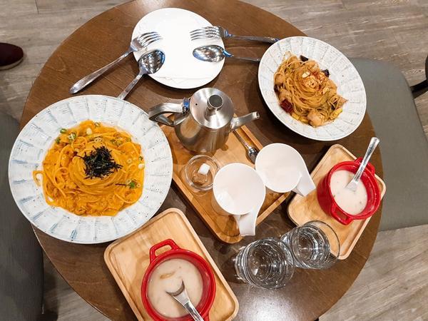 台中 木門咖啡 義大利麵來台中義大利麵 不吃會後悔之一的餐廳 也就是木門咖啡啦 木門真的很好吃 食物