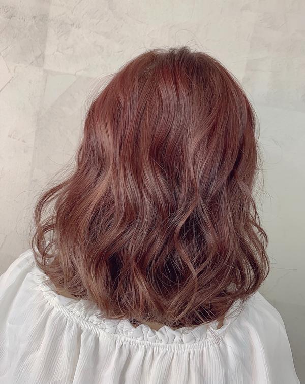 #中長髮  想要髮色不一樣 可以看看挑漂線條感 若隱若現的感覺  莎莉現在✨✨女神旗艦店✨✨駐店喔!