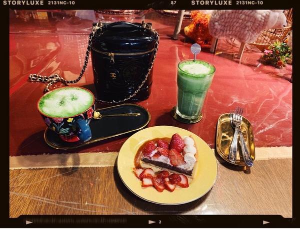 [基隆]金派甜點 出遊就是要吃下午茶不管到哪我都會想要找特別的店坐一會,知道要去基隆,爬了好久的文找