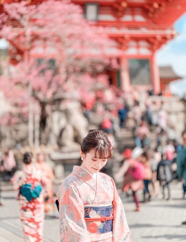 🎌日本旅行-京都 終於擠出一點時間來發文了 - 今天要來介紹一家和服店叫「てくてく京都」 前陣子看