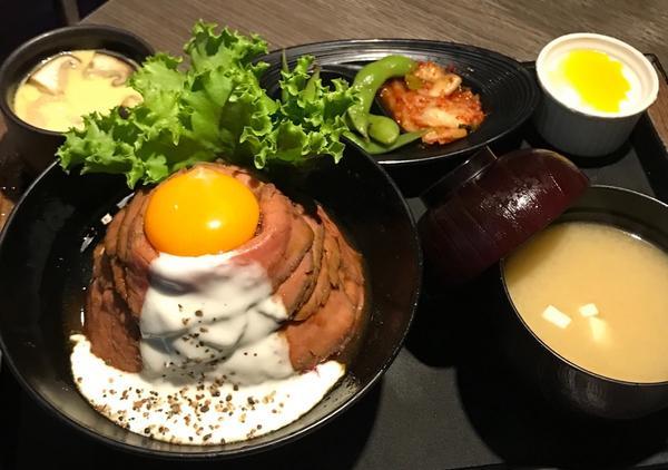 ❣️山丼美味しい士林店🇯🇵入口即化的玫瑰和牛丼~~~🤤