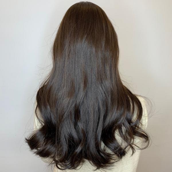 質感黑茶色喜歡冷霧色調 . 不喜歡頭髮老是一直黃黃的 . 看起來反而沒精神 . 📱新客線上燙/染享