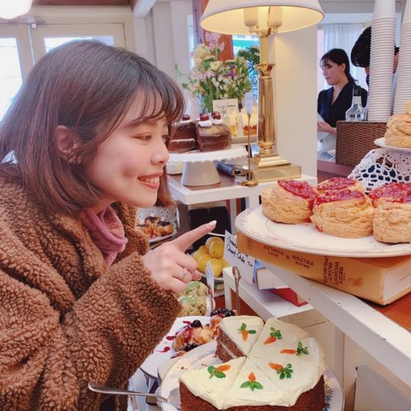 🍰韓國咖啡店-Layered各式司康蛋糕🧁🥧🎂 鹹的甜的都很不錯 咖啡偏酸☕️ 聽說下午黃昏