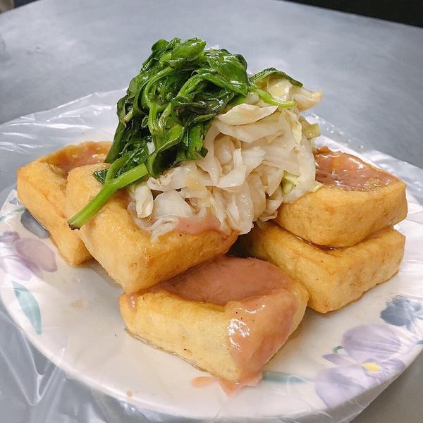 梅山臭豆腐📍🇹🇼 @珊Taiwan,Chiayi 👉🏻梅山臭豆腐  臨時起意為了吃臭豆腐