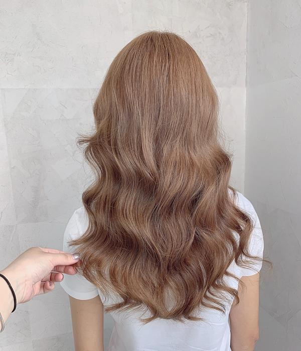 #冷萃奶茶色 #漂髮  #水波紋 捲度 讓妳氣質🆙髮色🆙質感🆙仙感🆙捲度🆙 ———————
