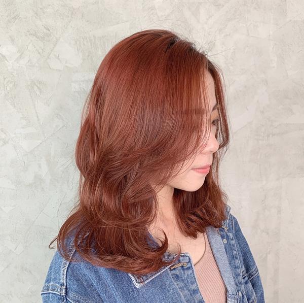 #暖色系 #蜜糖橘  莎莉可以滿足妳想要的各種髮色 勇於嘗試新髮色 才能發現原來自己也是蠻適合的 而