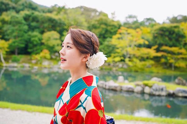 穿上秒變公主の京都和服👘覺得這次穿的和服真心太美啦 >///< 一生美這麼一次太值得❤️❤️❤️