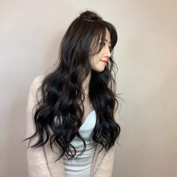 冷墨灰韓星髪色~ #冷墨灰#極光染 超有質感更加氣質ᵁᴾ ᵁᴾ 氣質美女的首選 顯白髮色妳不可以錯過