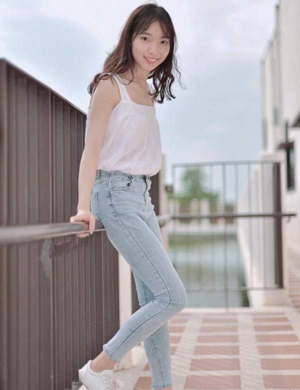 牛仔褲人🙋🏻♀️👖牛仔褲就是我的安全感😌♥️ 衣櫃都是差不多但是不一樣!的牛仔褲 1.台江