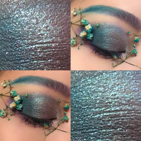 花花眼妆/蓝色眼妆#eyemakeup  . . 好不容易画了个眼妆 希望我放假能够兼顾 Resea