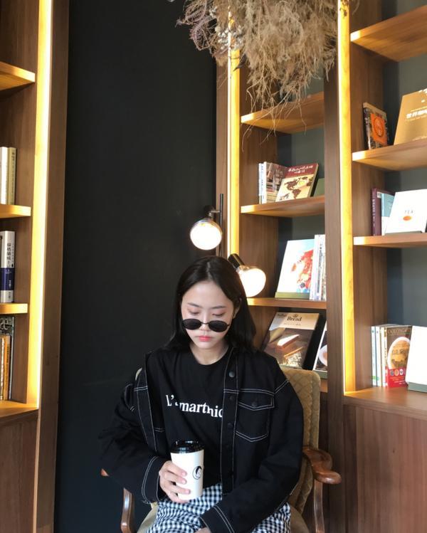 OOTD台南旅行 | I AM RINA!分享穿搭 墨鏡:GU 牛仔外套:h&m 短踢:韓國購入 格