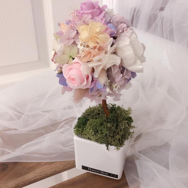 東門花.說 花藝教室永生花是我一直很迷戀的東西 溫暖的馬卡龍色 搭配在一起 組合成繽紛的色彩  我的