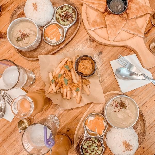 圖圖咖啡☕️聽到標題第一個連想絕對以為是咖啡廳 錯了喔~~這間是好吃的泰式料理餐廳 本人超愛泰式料理