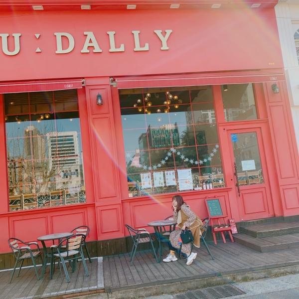 釜山田浦咖啡一條街/U:DALLY CAFE釜山總是自帶濾鏡,而這家咖啡廳算是釜山經典中的經典了!大