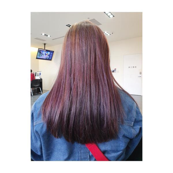 染髮記錄#台南染髮又來了久違的染髮時間!剛好遇上要出國順便整理頭髮, 這次直接挑戰整頭漂髮,既緊張又