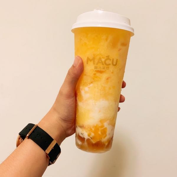 麻古茶坊#楊枝甘露$70 加了切丁芒果、葡萄柚果粒、綠茶凍和椰奶的楊枝甘露,甜度冰塊都是固定的。 夏