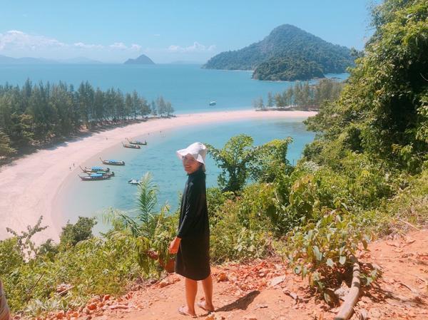泰國🇹🇭外府的海灘泰國🇹🇭有好多海邊遊玩的地方 像是大家常去的 芭達雅 普吉島 華欣 甲米島