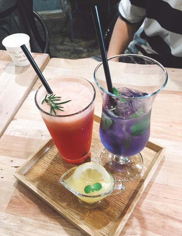 🌷🌿充滿植物的咖啡廳📍Arriate
