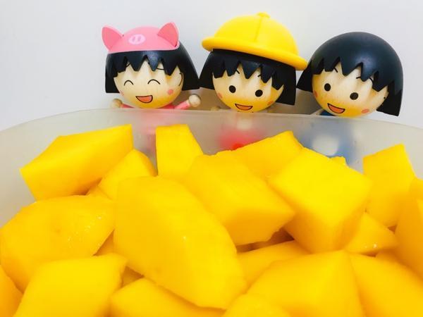 小丸子也愛品嚐芒果討厭夏天但偏偏.. 最愛的芒果又是在夏天生產的季節