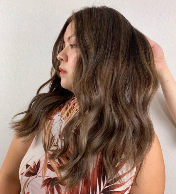 #歐美線條染、光線染 美麗的奶油灰棕色系☺️ ☺️ ⬇️ 專業的漂褪技術降低髮質的受損 線條也設計過