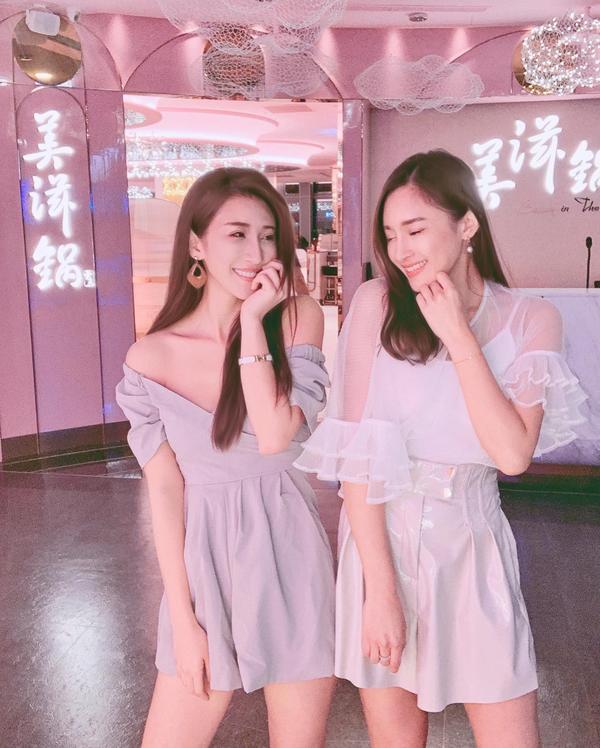 美滋鍋💕新加坡人氣鍋物「美滋鍋」來台灣了! 整間店不僅場地寬敞,設計也超夢幻都是粉色~ 連男廁都粉