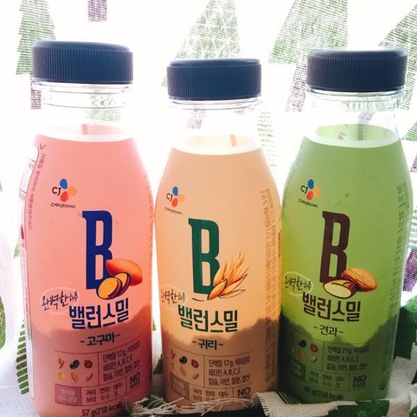 韓國🇰🇷樂天超方便穀物奶~要喝什麼自己配調配好的穀物粉與堅果,只要倒入豆漿或鮮奶或水搖一搖就可以