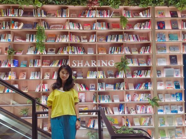 當不知道要怎麼拒絕的時候 就享受它吧 #阿比去哪兒#高雄景點#悅誠廣場#愛拍照#Taiwan#kao
