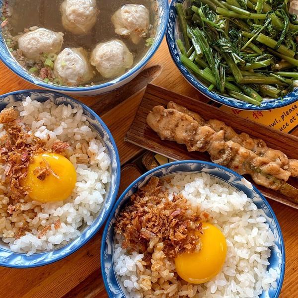🍽超好吃的豬油拌飯‼️台南銅板美食💕🍴鼎富發豬油拌飯🍴 / ✏️豬油拌飯(生蛋黃) $35