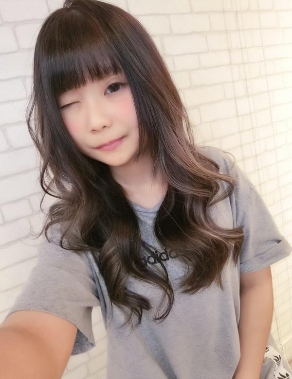 ∭歐美線條染∭最近很喜歡的新風格💕  ☞歐美手刷也很適合亞洲人❤️  深色系也可以讓頭髮增加線條感