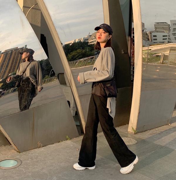 秋裝冷色系穿搭最近新增了一家愛店 29studio  以男裝為主的服飾店 日系工裝 紳士西裝系列都有