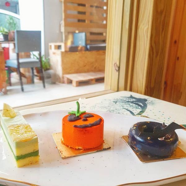 帶籽daze咖啡🍋🍰🎃🦇 - 🔎 帶籽daze咖啡 📬 台中市北區國泰街99號 ☎️ 0