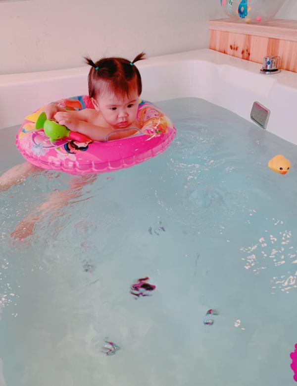 寶寶游泳So Fun寶貝每次游泳時大人看的都被療癒了 #班比親子游樂館台北中和館