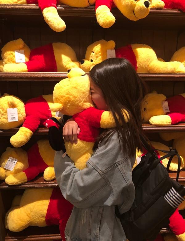 小熊維尼🍯太喜歡所以買了更大的那隻🧡💛