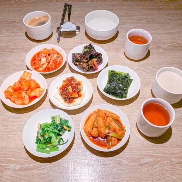 ➖食 ғᴏᴏᴅ➖桃園桃園區 · 豆腐村:不錯的韓式料理➖食 ғᴏᴏᴅ➖ . 📍桃園桃園區 · 豆腐