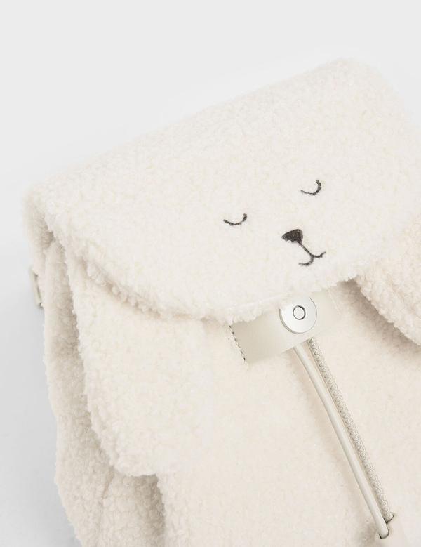 軟綿綿的毛絨絨綿羊包,這不是繞口令,這是小CK最可愛的一款包!上回那個大家搶翻天的ZARA獨角獸毛絨