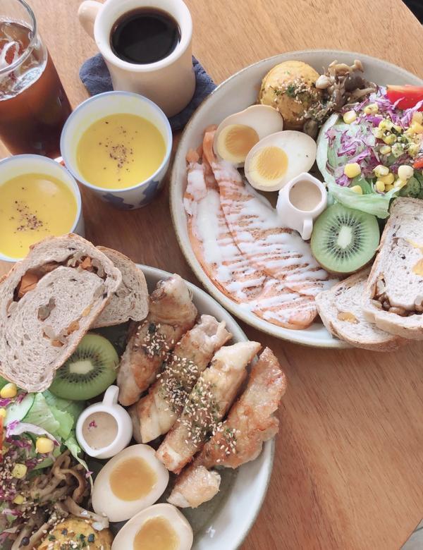 MITAKA s-3e Cafe 五權路早午餐靜謐小巷早午餐 心情不好就會來吃的3個e 很少能看到那