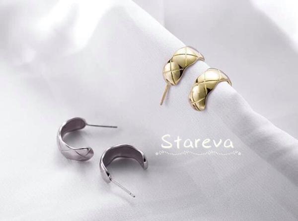 💎 全925純銀.菱格切割紋路耳環大牌風範的菱格紋路~超級耐看又時尚的設計~也是必入手的款式💪