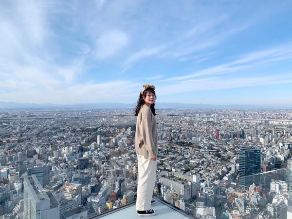 360度環視東京~就登上Shibuya sky吧!想拍攝乾淨清晰的畫面,所以選在中午前入場,四面分別