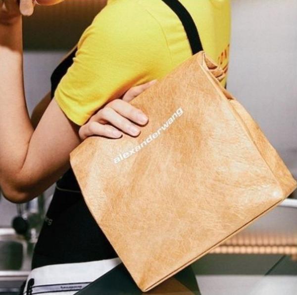 連麥當勞都搶著聯名!國內外都在瘋搶的『紙袋包』,難道午餐這樣裝真的比較好吃?品牌不約而同都在搶著推出