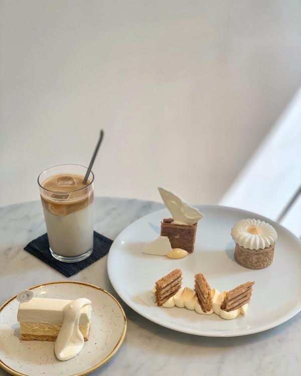 台南美食🔎ig c.t.1.9.99何欣 台南必吃甜點 網紅起司蛋糕  超級好拍的北歐風簡約設計